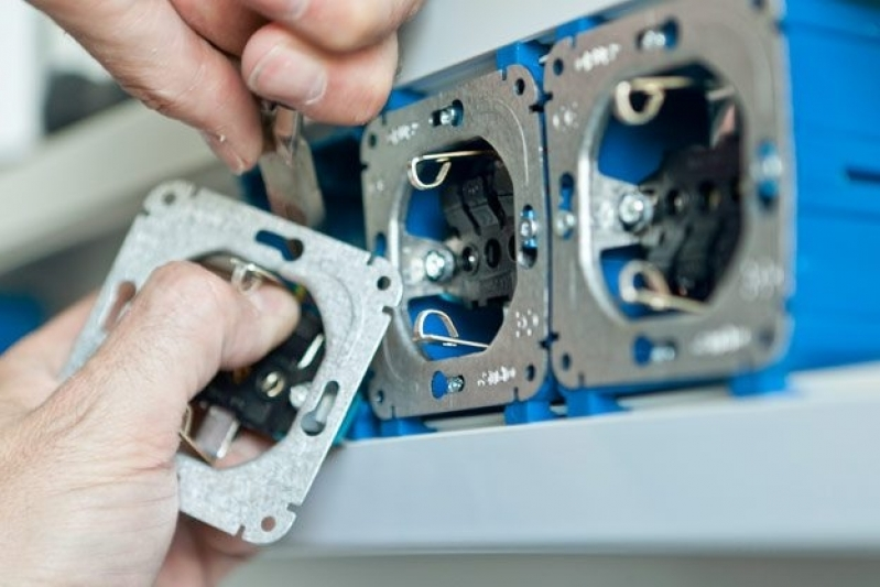 Engenharia e Laudo de Elétrica Industrial - R & C Consultoria Empresarial