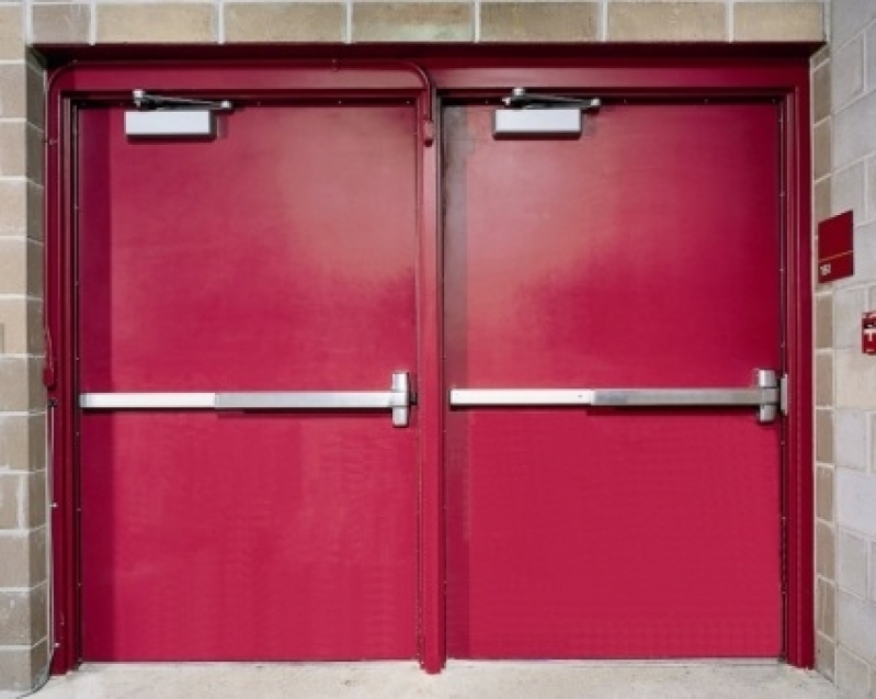 Instalação de Porta Corta Fogo para Edifícios Comerciais - R & C Consultoria Empresarial
