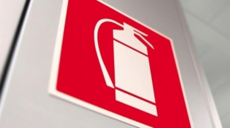Placa de Extintor Pó Químico - R & C Consultoria Empresarial
