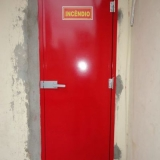 instalação de porta corta fogo para edifícios residenciais na Vila Anastácio