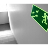 onde encontrar placa de rota de fuga fotoluminescente Alphaville