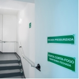 placa de saída fotoluminescente cotar Santa Isabel