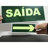 placa saída de emergência iluminada na Santana de Parnaíba