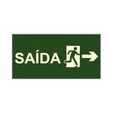 saída de emergência sinalização placa
