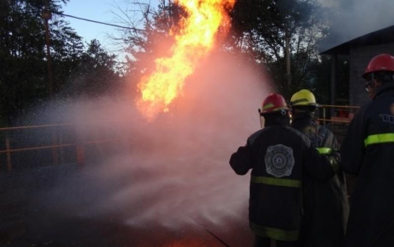 Treinamento a Combate de Incêndio Inflamáveis - R & C Consultoria Empresarial