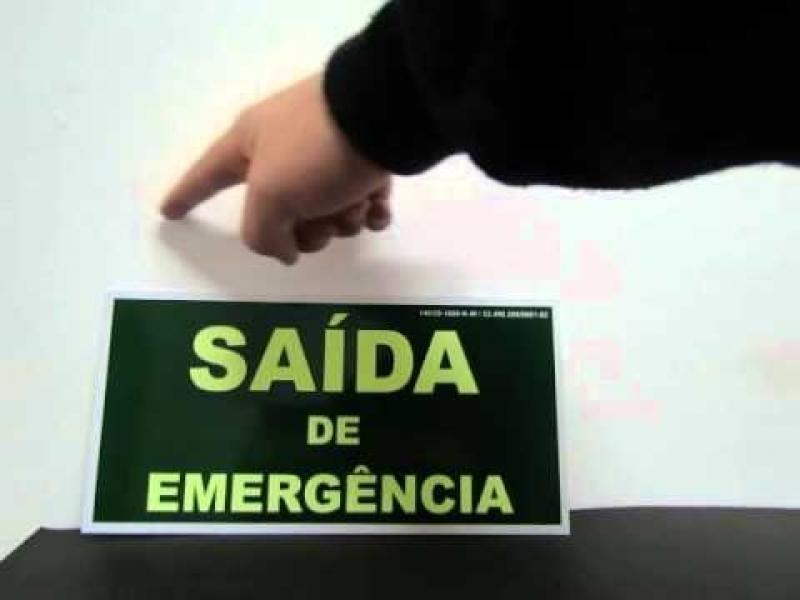 Venda de Placa Saída de Emergência Luminosa em Jaraguá - Placa Fotoluminescente de Extintores